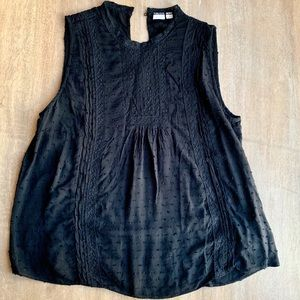 Light Sleeveless Shirt with Lace Detail